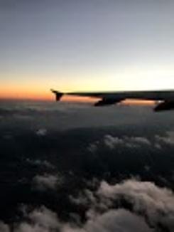 上空の夕日