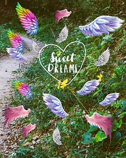 羽ばたきたくて(羽と黄色い花と緑)