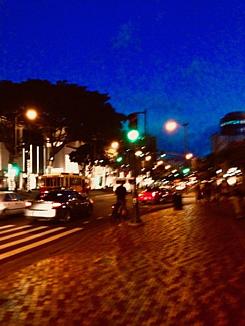 ハワイ☆ワイキキのメインストリート夜景