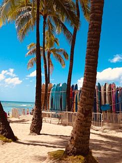 ハワイ☆ワイキキビーチとサーフボード