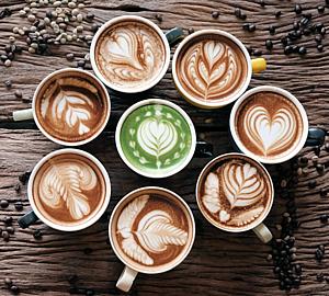 たくさんのカプチーノ&コーヒー豆