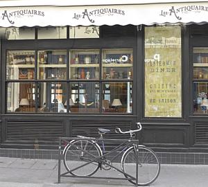 アンティークカフェと自転車